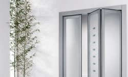 Двери по типу открывания: особенности конструкций