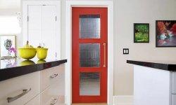ТОП-5 причин поставить двери в кухню