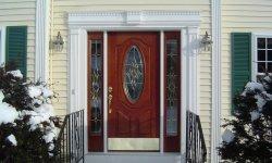 Входные двери для частного дома и квартиры: главные отличия