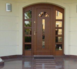двери в интерьере 15