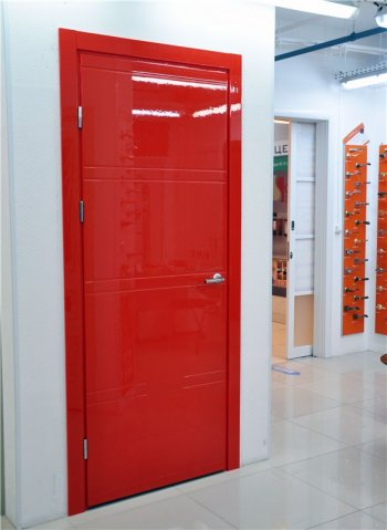 ТОП-5 модных материалов для отделки межкомнатных дверей